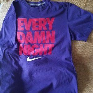 Nike Graphic T - Men's Lg - Purple